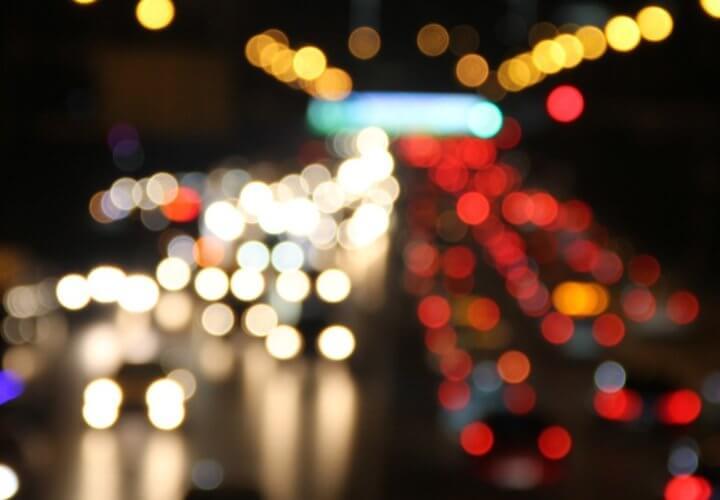 Táxis versus aplicativos? Ou motoristas versus veículos autônomos?